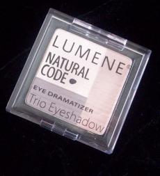 Тройные тени для век EYE DRAMATIZER от Lumene (2)