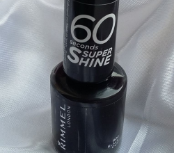 Лак для ногтей 60 seconds Super shine (оттенок №800 Black out) от Rimmel