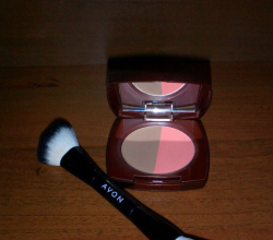 Бронзер и румяна дуо Glow blusher bronzer duo in peach glow от Avon