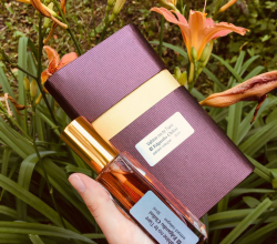 Цветочный смолянистый аромат Vahine no te Tiare от Edgardio Chilini