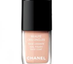 Разглаживающая основа для ногтей Base Lissante от Chanel
