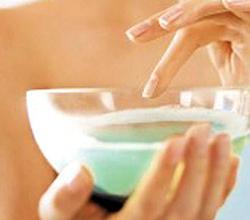 Содовая ванночка для смягчения кожи рук