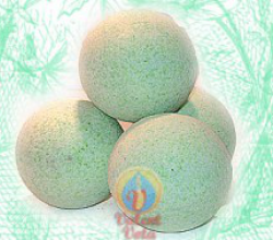 """Солевой шар для ванны с маслами """"Чайные листочки"""" от Valent Vota"""