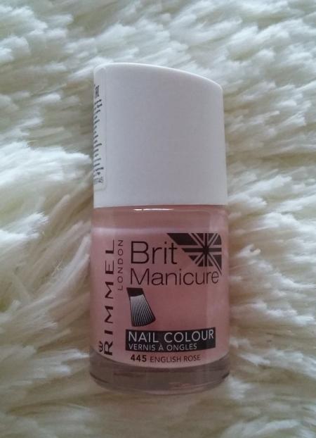 Лак для ногтей Brit manicure (оттенок № 445 English rose) от Rimmel