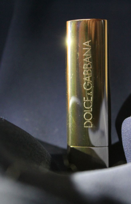 Помада для губ Monica Voluptuous Lipstick (оттенок № 100 Chic Monica) от Dolce & Gabbana